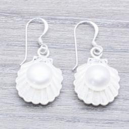 Pendiente Plata Ostra con perla en Plata de Ley 925